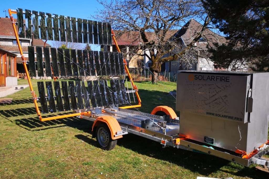 four solaire en action sous le soleil, ca chauffe : torréfaction en cours